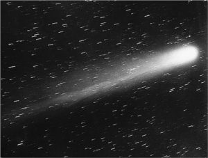 https://commons.wikimedia.org/wiki/File%3AHalley's_Comet_-_May_29_1910.jpg